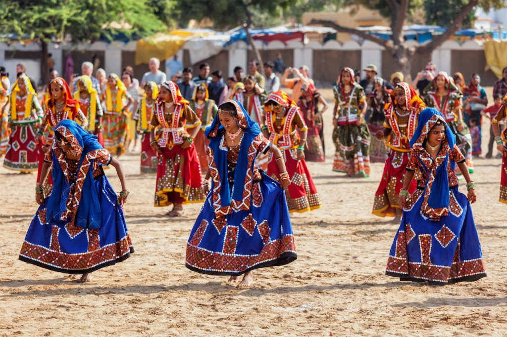 Pushkar, danzatrici durante il Camel Fair