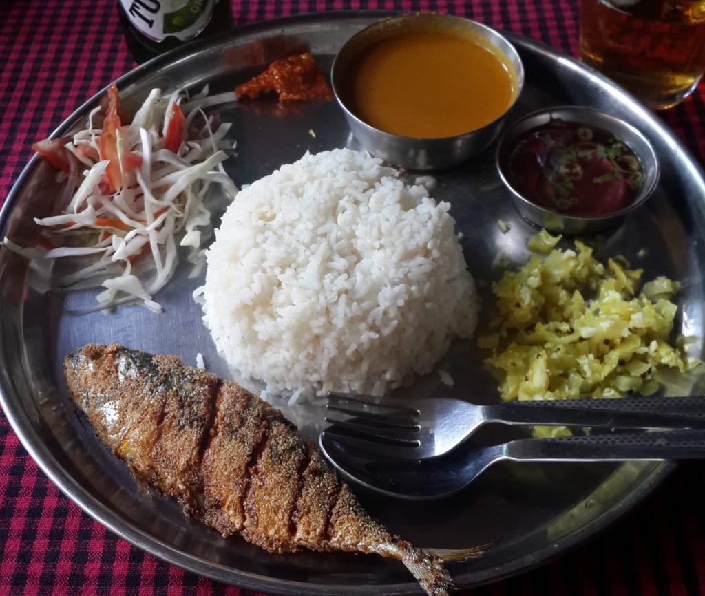 Viaggiare in India, Goa, Thali di pesce