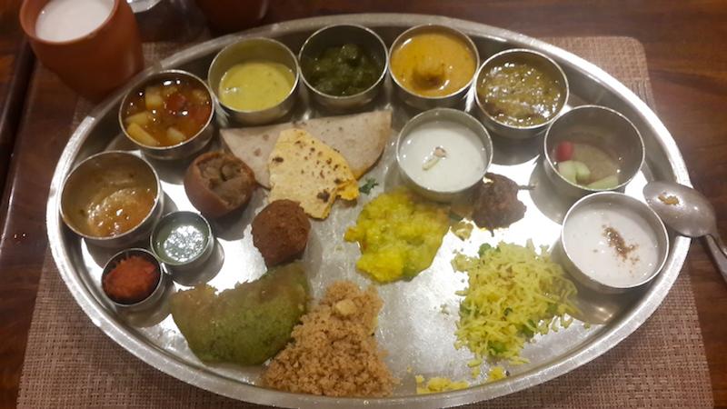 Quanto costa un viaggio in India, Thali rajasthano