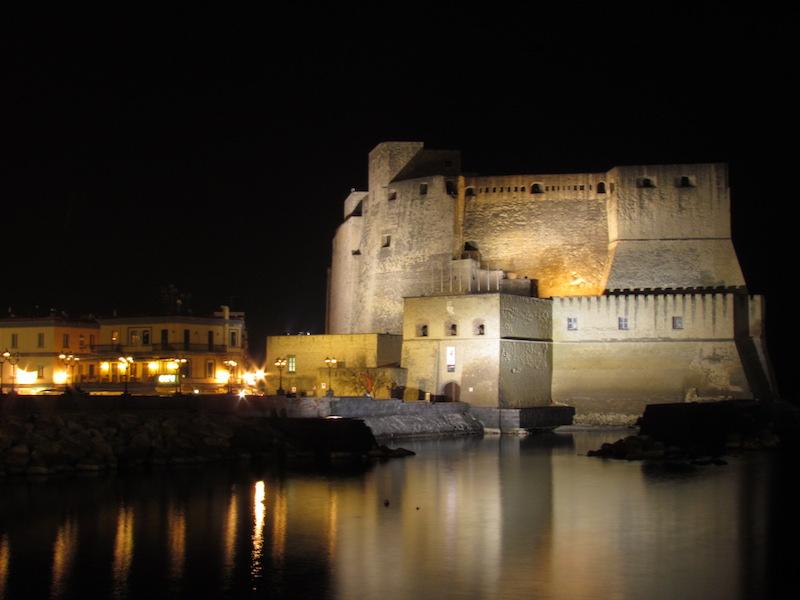 5 Cose dell'Italia che mi mancano in India | Napoli, Castel dell'Ovo