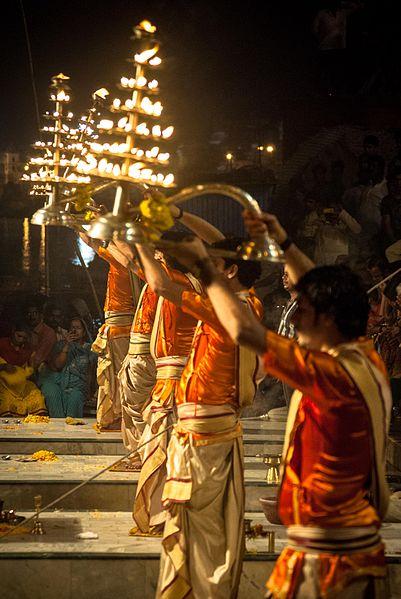 Viaggio a Varanasi | Aarti | Ph. Credit Sujay25