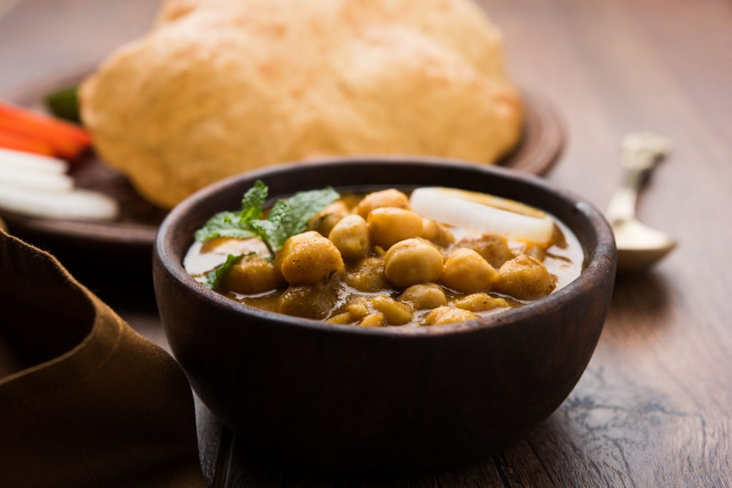 Cucina indiana - chole bhature - street food